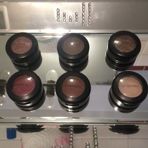 6!!! Mac eyeshadows